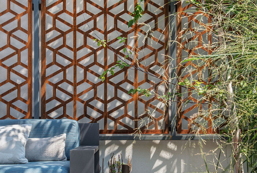 Soulful Dwelling Deck Wall Detail, Interior Design by Mia Rao Design